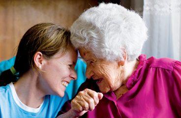 Bénévolat: comment aider les personnes âgées?