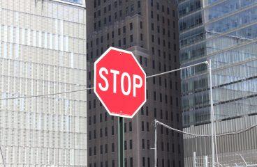 Où installer des panneaux de signalisation?