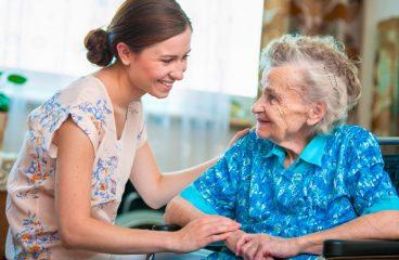 La Croix-Rouge : comment faire du bénévolat dans les maisons de retraite ?